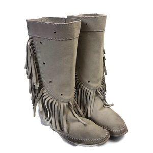 Minnetonka cream suede fringe studded boots size 6